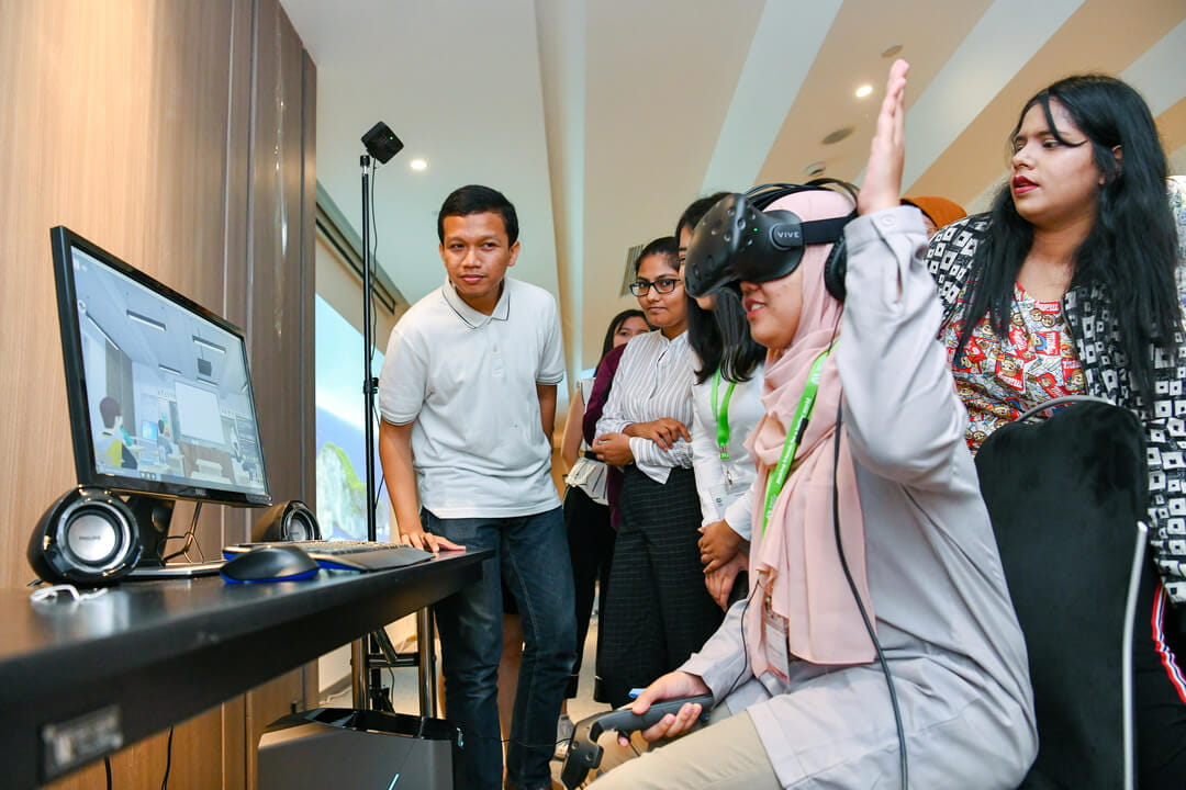 International participants from the study visit immerse in an interactive Virtual Reality (VR) experience curated by Cognitive Leap, a precision healthcare company which utilises VR and Artificial Intelligence to address mental health issues